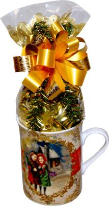 """Tasse """"Weihnachtstraum"""", gefüllt mit feinen Weihnachtspralinen"""