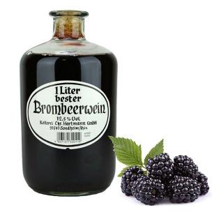 Brombeerwein in der Apothekerflasche